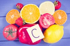 Rocznik fotografia, Dojrzali owoc i warzywo jako źródło witamina C, żywienioniowy włókno i kopaliny, pokrzepiający immunitetowy p fotografia royalty free