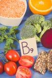 Rocznik fotografia, Odżywczy różni składniki zawiera witaminę B9, naturalne kopaliny i folic kwas, zdrowy odżywiania pojęcie Obraz Stock