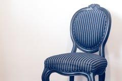 Rocznik i antykwarski czarny krzesło odizolowywający Zdjęcie Stock