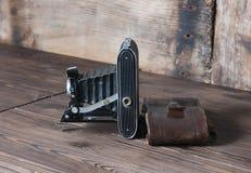Rocznik kamera z rzemienną skrzynką Obrazy Stock