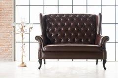 Rocznik kanapa z lampą Obraz Royalty Free