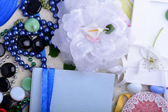Rocznik kobiet zaproszenia karta Retro pojęcie z kwiatów papierów faborkami Zdjęcie Stock