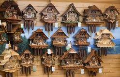 Rocznik kukułki zegarów drewniana ściana, Triberg, Niemcy Fotografia Royalty Free