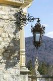 Rocznik latarnia uliczna z statuą zdjęcie royalty free