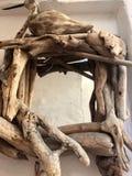 Rocznik lustrzana biała drewniana rama fotografia stock