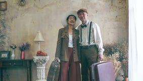 Rocznik mody pary retro Azjatyckiej starszej podróży luksusowa wycieczka aft Zdjęcie Stock