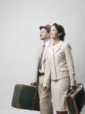 Rocznik para opuszcza dla wakacji Fotografia Stock