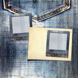 Rocznik pocztówka z papierem ono ślizga się na starych cajgach Zdjęcia Royalty Free
