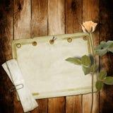 Rocznik stara pocztówka dla gratulacje z różowymi różami Zdjęcia Royalty Free