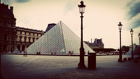 Rocznik Strzelający louvre muzeum, Paryż, Francja Zdjęcia Royalty Free