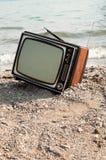 Rocznik telewizja na plaży Obrazy Royalty Free