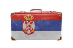 Rocznik walizka z Serbia flaga Zdjęcia Royalty Free