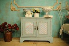 Rocznik wewnętrznej dekoraci zieleni pastelu szafa Zdjęcie Stock