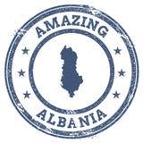 Rocznik Zadziwia Albania podróży znaczek z mapą Zdjęcie Stock