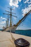 Rocznika żeglowania fregaty statek w Montenegro obrazy royalty free