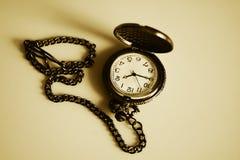 Rocznika antykwarski zegarek na łańcuchu Obrazy Stock
