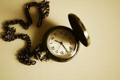 Rocznika antykwarski zegarek na łańcuchu Fotografia Stock