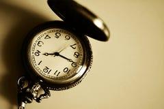 Rocznika antykwarski zegarek na łańcuchu Obraz Royalty Free