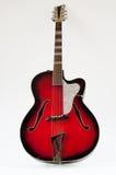 Rocznika archtop czerwona gitara Zdjęcia Royalty Free