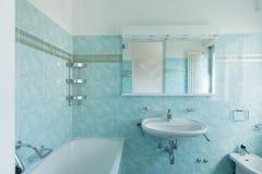 Rocznika błękita łazienka zdjęcia royalty free
