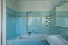 Rocznika błękita łazienka zdjęcie stock