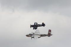 Rocznika B-25 Cosair i bombowiec wojownik Zdjęcia Stock