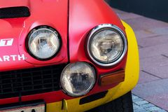 Rocznika bieżnego samochodu Fiat Abarth 124 sporta Włoski wiec lata siedemdziesiąte weterana oldsmobile narządzanie dla Saalbach  obrazy stock