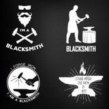 Rocznika blacksmith monochromatyczne odznaki i projekt ilustracja wektor