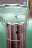 Rocznika brodu prefekta samochodowy grille i maskotka obraz royalty free
