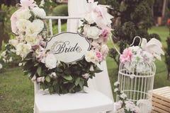 Rocznika brzmienie ślubu krzesło fotografia royalty free