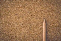 Rocznika brzmienie A korka deska z ołówkiem Zdjęcia Stock