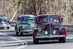 Rocznika Buick Coupe 1940 Specjalny jeżdżenie na wiejskiej drodze Obrazy Royalty Free