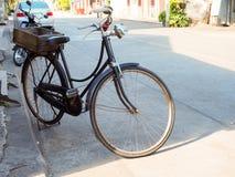 Rocznika czarny bicykl Obrazy Royalty Free