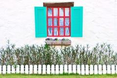 Rocznika czerwieni okno. Zdjęcie Stock