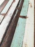 Rocznika drewno i Błękitny biurko zdjęcia stock