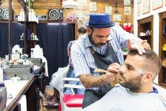 Rocznika fryzjera męskiego sklep zdjęcie stock