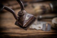 Rocznika fryzjera męskiego sklepu narzędzia Fotografia Stock