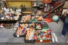 Rocznika i sekundy ręki towary przy El Rastro są popularnym o zdjęcia royalty free