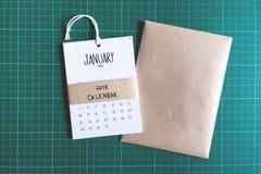 Rocznika kalendarz 2018 handmade na zielonym tle Zdjęcia Royalty Free