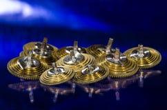 Rocznika Kieszeniowego zegarka Fusee Konusuje Odpoczywać na Błękitnej powierzchni Obrazy Royalty Free