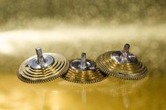 Rocznika Kieszeniowego zegarka Fusee Konusuje Odpoczywać na Złotej powierzchni Obraz Royalty Free