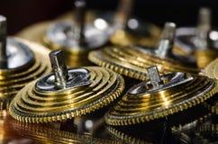 Rocznika Kieszeniowego zegarka Fusee Konusuje Odpoczywać na Czarnej powierzchni Zdjęcie Royalty Free