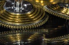 Rocznika Kieszeniowego zegarka Fusee rożek Odpoczywa na Czarnej powierzchni Zdjęcia Stock