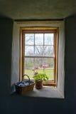 Rocznika kraju gospodarstwo rolne, domu wiejskiego okno Obraz Royalty Free