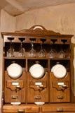 rocznika kuchenny ustalony wino Zdjęcia Stock