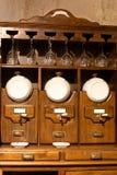 rocznika kuchenny ustalony wino Zdjęcie Stock