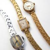 Rocznika machinalny żeński zegarek na białym tle zdjęcie royalty free