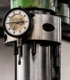 Rocznika maszynowego sklepu maszyny antykwarski automobilowy boaring maszt fotografia stock