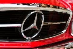 Rocznika Mercedes-Benz 230 SL weterana samochodowy oldsmobile narządzanie dla Saalbach klasyka wiecu Obrazy Royalty Free