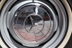 Rocznika Mercedes-Benz 230 SL weterana samochodowy oldsmobile narządzanie dla Saalbach klasyka wiecu Zdjęcia Stock